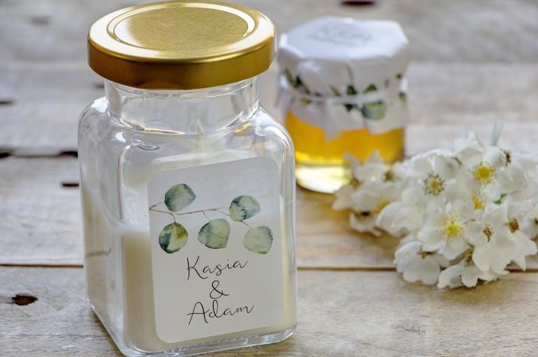 Świeczki - nowe podziękowania i upominki dla gości weselnych, ślubnych. W stylu greenery z eukaliptusem