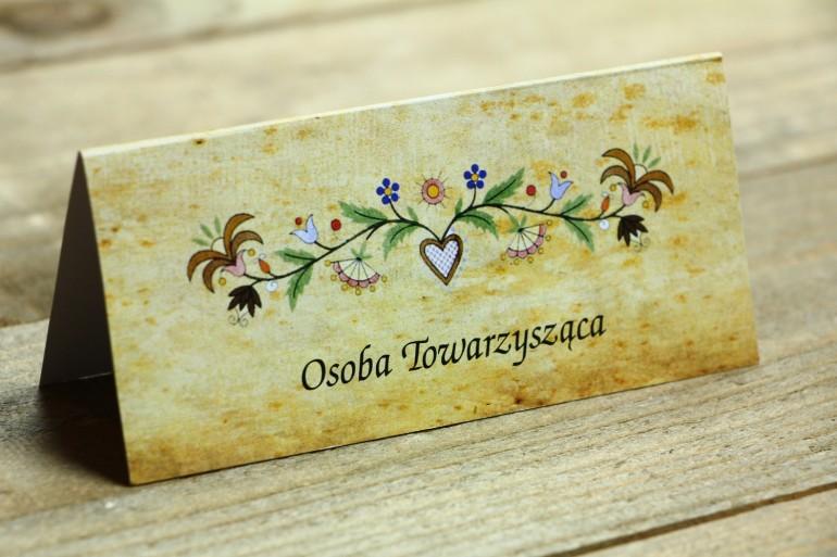 Ludowe Winietki, wizytówki na stół weselny, ze wzorem kaszubskim z delikatną folklorystyczną grafiką.