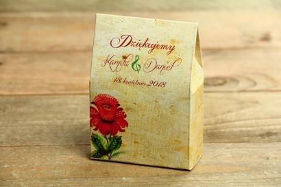 Ludowe Pudełeczko na słodkości jako podziękowania dla gości weselnych. Z folklorystyczną kwiatową grafiką.