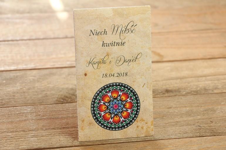 Nasiona - Ludowe, łowickie podziękowania dla gości weselnych - Bogata gama kolorów podkreśla folklorystyczny charakter