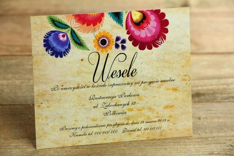 Bilecik do zaproszenia ślubnego - ludowe. Grafika z wycinanką łowicką. Bogata gama kolorów podkreśla folklorystyczny charakter