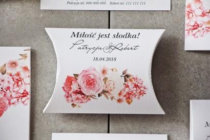Pudełeczko poduszeczka na cukierki, podziękowania dla Gości weselnych - Pistacjowe nr 23 - Pudrowe różowe kwiaty