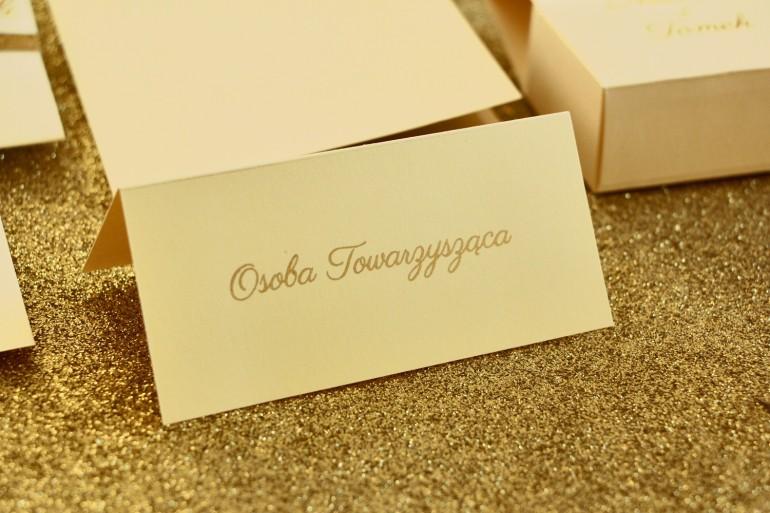 Zawieszki na butelki weselne ze złoceniem w stylu Glamour - Waniliowe