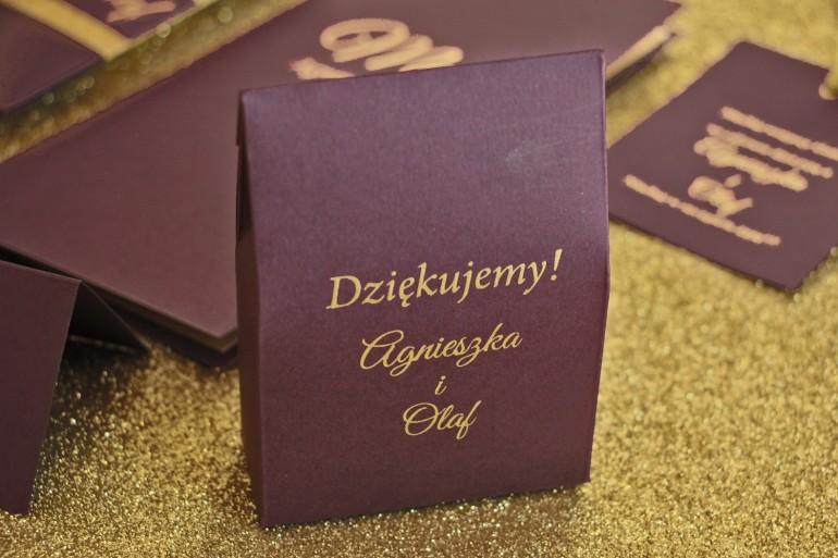 Pudełeczko na słodkości w stylu Glamour jako podziękowania dla gości weselnych. Kolor Fioletowy