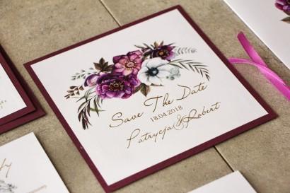 Bilecik dwuwarstwowy Save The Date, Cykade ze złoceniem, fioletowe kwiaty w chłodnych odcieniach.