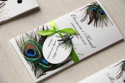 Zaproszenia ślubne z pawim piórem. Kolorowa grafika pawich piór jako uzupełnienie motywu przewodniego wesela - Magnet nr 1