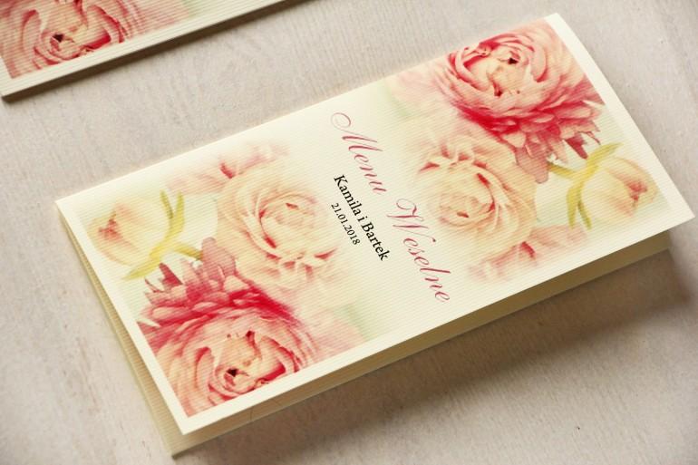 Menu Weselne z piwonią w pastelowym odcieniu jasnego różu.