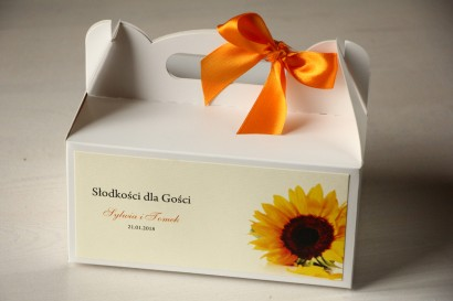 Kwiatowe Pudełko na Ciasto weselne ze słonecznikiem.