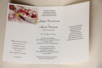 Wnętrze zaproszenia - Zaproszenia ślubne z gałązką kwitnącej wiśni.