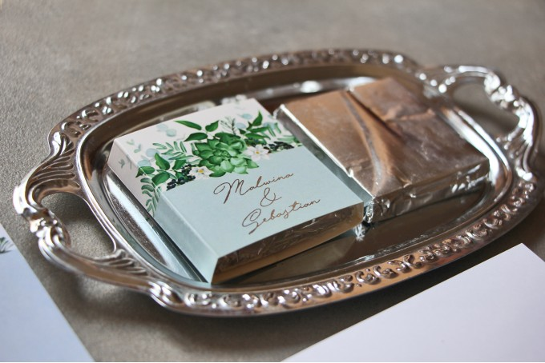Podziekowanie dla Gości weselnych w postaci czekoladek ze srebrzeniem