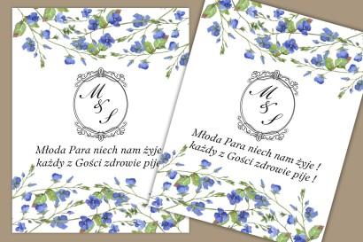 Etykiety samoprzylepne na butelki weselne, ślubne. Subtelny wzór z drobnymi kwiatami niebieskiej niezapominajki