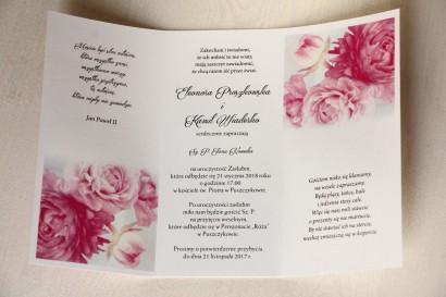 Zaproszenia ślubne z różowymi piwoniami z ozdobną przywieszką z wierszykiem - wnętrze zaproszenia