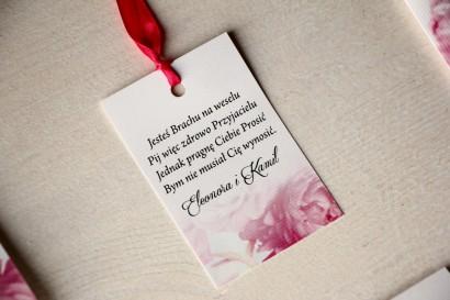 Kwiatowe Zawieszki na butelki weselne, grafika z różowymi piwoniami