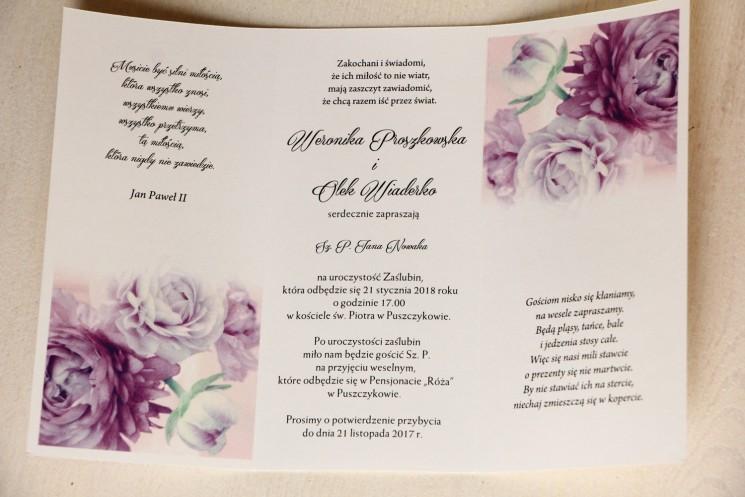 Zaproszenia ślubne z fioletowymi piwoniami z ozdobną przywieszką z wierszykiem - wnętrze zaproszenia