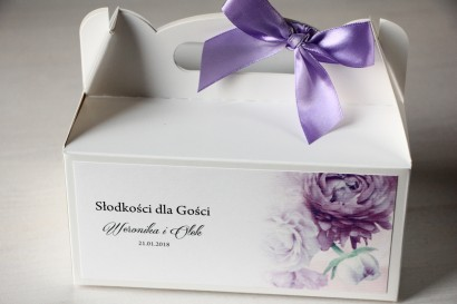 Kwiatowe Pudełko na Ciasto weselne, grafika z fioletowymi piwoniami