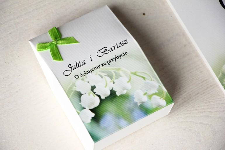 Pudełeczko na słodkości jako podziękowania dla gości weselnych. Delikatna Grafika z konwaliami
