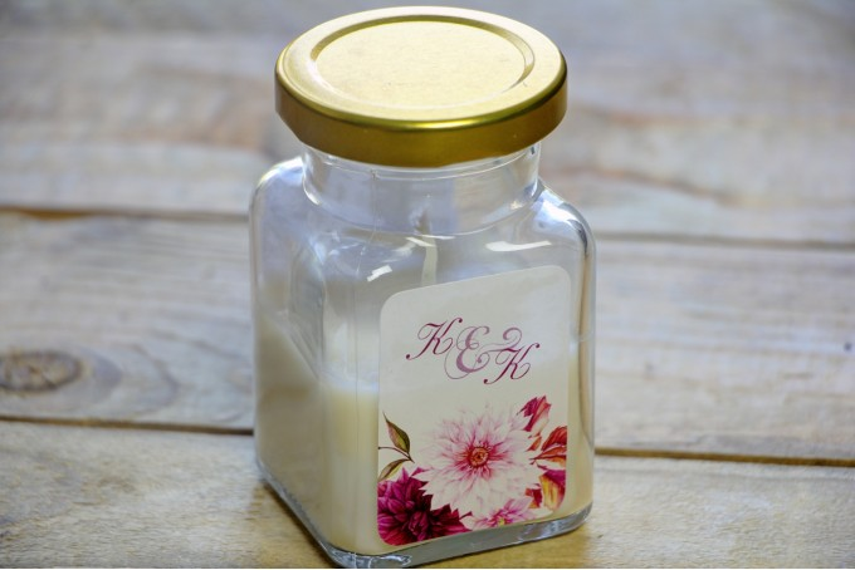 Świeczki - podziękowania i upominki dla gości weselnych, ślubnych. Jesienno-zimowe połączenie kwiatów dalii