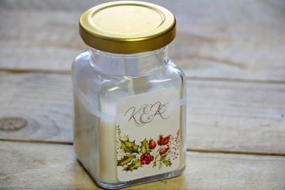 Świeczki - podziękowania i upominki dla gości weselnych, ślubnych. Zimowo-świąteczna kompozycja gałązek z dziką różą