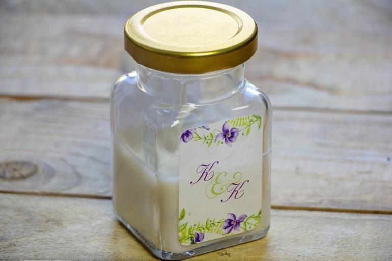 Świeczki - nowe podziękowania i upominki dla gości weselnych, ślubnych. Delikatny wiosenny wzór z fioletowymi fiołkami