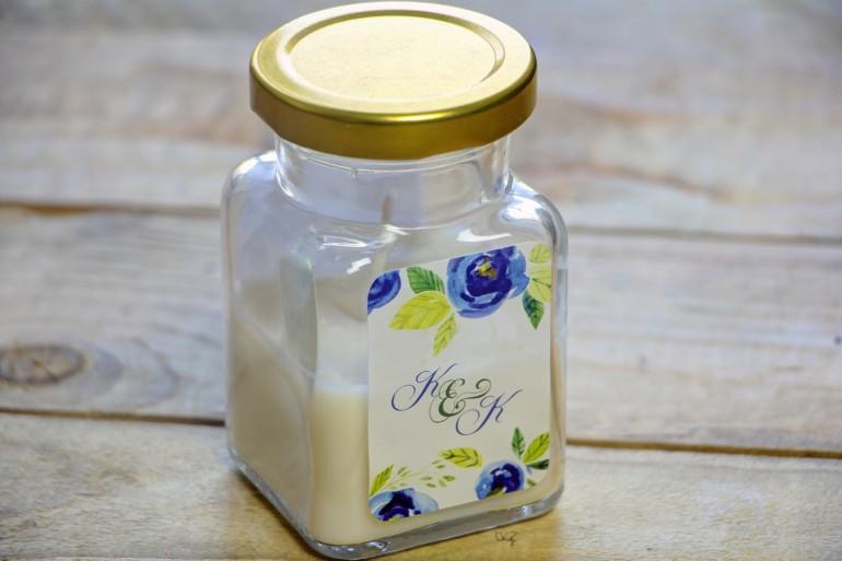 Świeczki - podziękowania i upominki dla gości weselnych, ślubnych. Delikatne akwarelowe róże w niebieskich barwach