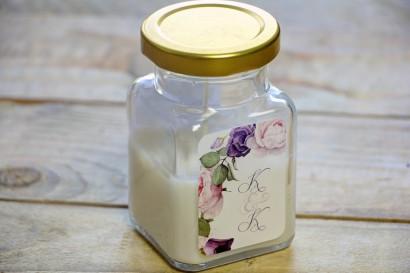 Świeczki - podziękowania i upominki dla gości weselnych. Eleganckie połączenie kwiatów róży w barwach pudrowego różu i fioletu