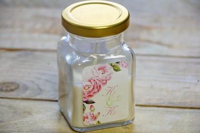 Świeczki - podziękowania dla gości weselnych. Delikatne bladoróżowe róże z dodatkiem chłodnych zielonych liści