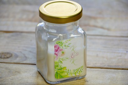 Świeczki - podziękowania i upominki dla gości weselnych. Wzór w intensywnych barwach zieleni z różnorodnymi gałązkami