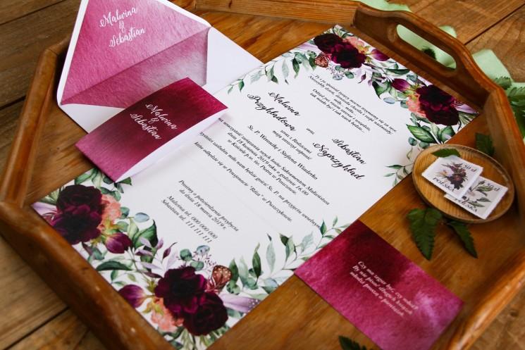 Zaproszenia ślubne z burgundowymi piwoniami i anemonami z dodatkiem eukaliptusa - zaproszenie rozłożone