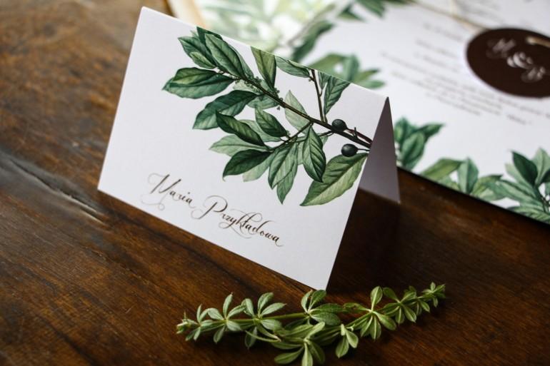 Winietki ślubne, wizytówki z personalizacją na stół weselny z motywem gałązek oliwki, projekt utrzymany w stylistyce greenery