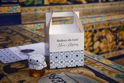 Podziękowania dla gości ślubnych - Pudełko na Ciasto weselne z motywem hiszpańskiej grafiki w kolorze niebieskim