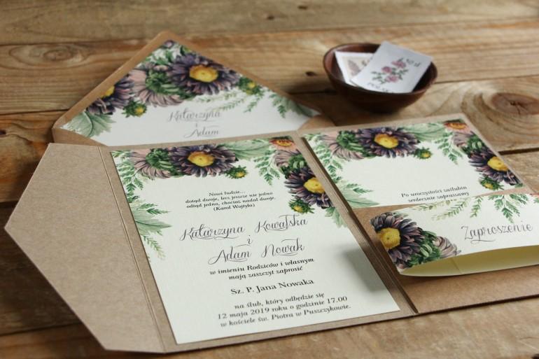 Ekologiczne zaproszenia ślubne z astrami w odcieniach fioletu oraz gałązkami paproci