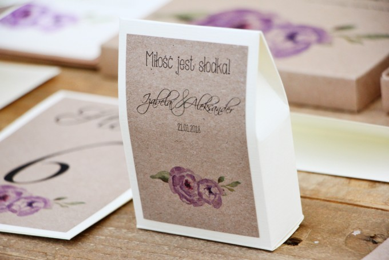 Pudełeczko stojące na cukierki, podziękowania dla Gości weselnych - Margaret nr 4 - Fioletowe akwarelowe kwiaty