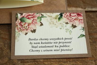 Bilecik dwuwarstwowy do zaproszeń ślubnych. Grafika z białymi i różowymi piwoniami oraz gałązkami eukaliptusa