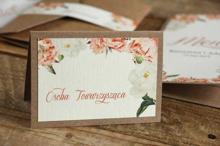 Winietki ślubne, wizytówki z personalizacją na stół weselny - Brzoskwiniowa grafika z różą i piwonią