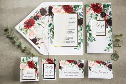 Zaproszenia ślubne w stylu glamour z burgundowymi i bordowymi piwoniami oraz daliami, z dodatkiem różu – złocona ramka i tekst