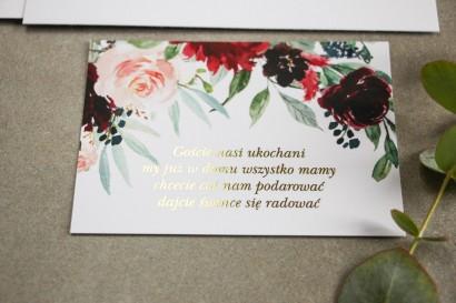Bilecik do zaproszeń ślubnych ze złoceniem w stylu Glamour. Burgundowe i bordowe piwonie oraz dalie, z dodatkiem różu