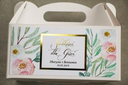 Pudełko na Ciasto weselne ze złoceniem - podziękowania dla gości weselnych. Subtelny wzór z różowymi i białymi piwoniami