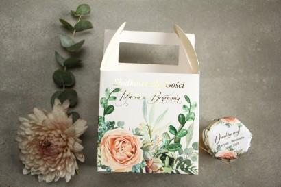 Pudełko na Ciasto weselne (kwadratowe) ze złoceniem - podziękowania dla gości. Delikatne brzoskwiniowe piwonie