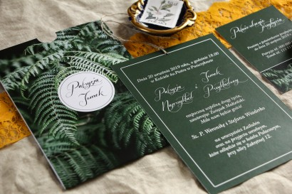 Botaniczne zaproszenia ślubne w etui z liśćmi paproci