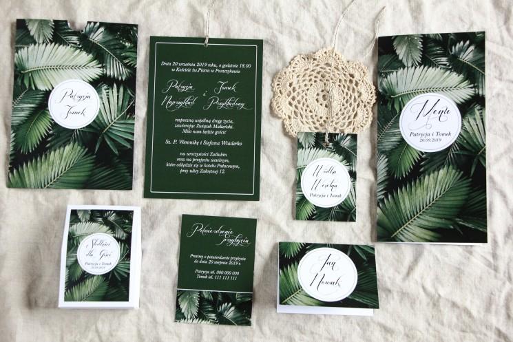 Botaniczne zaproszenia ślubne w etui z liśćmi bananowca wraz z dodatkami i podziękowaniami