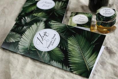 Menu weselne na stół - Botaniczny styl z grafiką z liśćmi bananowca