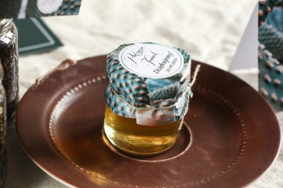 Słoiczki z miodem - słodkie podziękowanie dla gości weselnych. Grafika z kaktusem