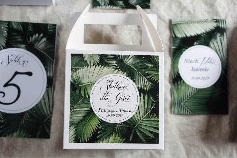 Podziękowanie dla gości weselnych, kwadratowe pudełka na ciasto w stylu Botanicznym - Grafika z liśćmi bananowca