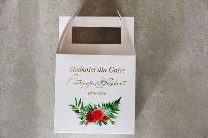 Pudełko na ciasto kwadratowe, tort weselny - Cykade nr 2 ze złoceniem - Czerwone róże i paproć