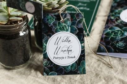 Zawieszki na butelki weselne w stylu botanicznym. Grafika z eukaliptusami