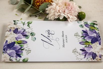 Menu weselne, grafika z frezją i białymi piwoniami z dodatkiem gipsówki i liści eukaliptusa