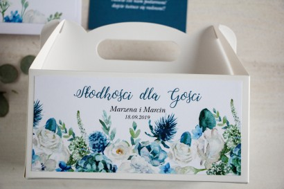 Prostokątne pudełko na Ciasto Weselne, podziękowania dla gości. Grafika z białymi różami