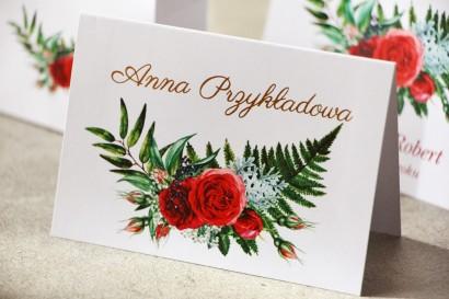 Ślubne winietki, wizytówki na stół weselny ze złoceniem oraz czerwonymi różami i leśną paprocią - Cykade nr 2