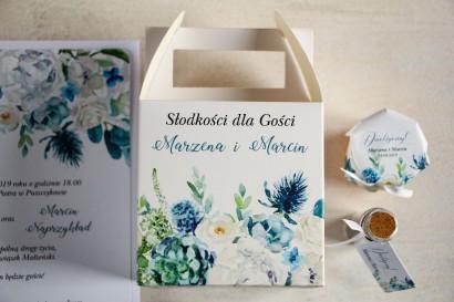 Kwadratowe pudełko na Ciasto Weselne, podziękowania dla gości. Grafika z białymi różami