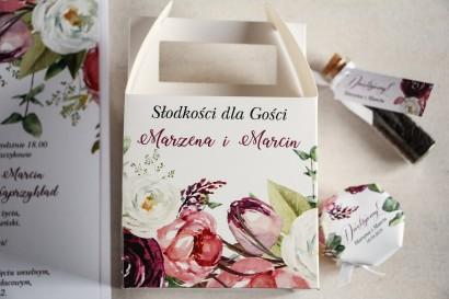 Kwadratowe pudełko na Ciasto Weselne, podziękowania dla gości. Grafika z różowymi i purpurowymi piwoniami